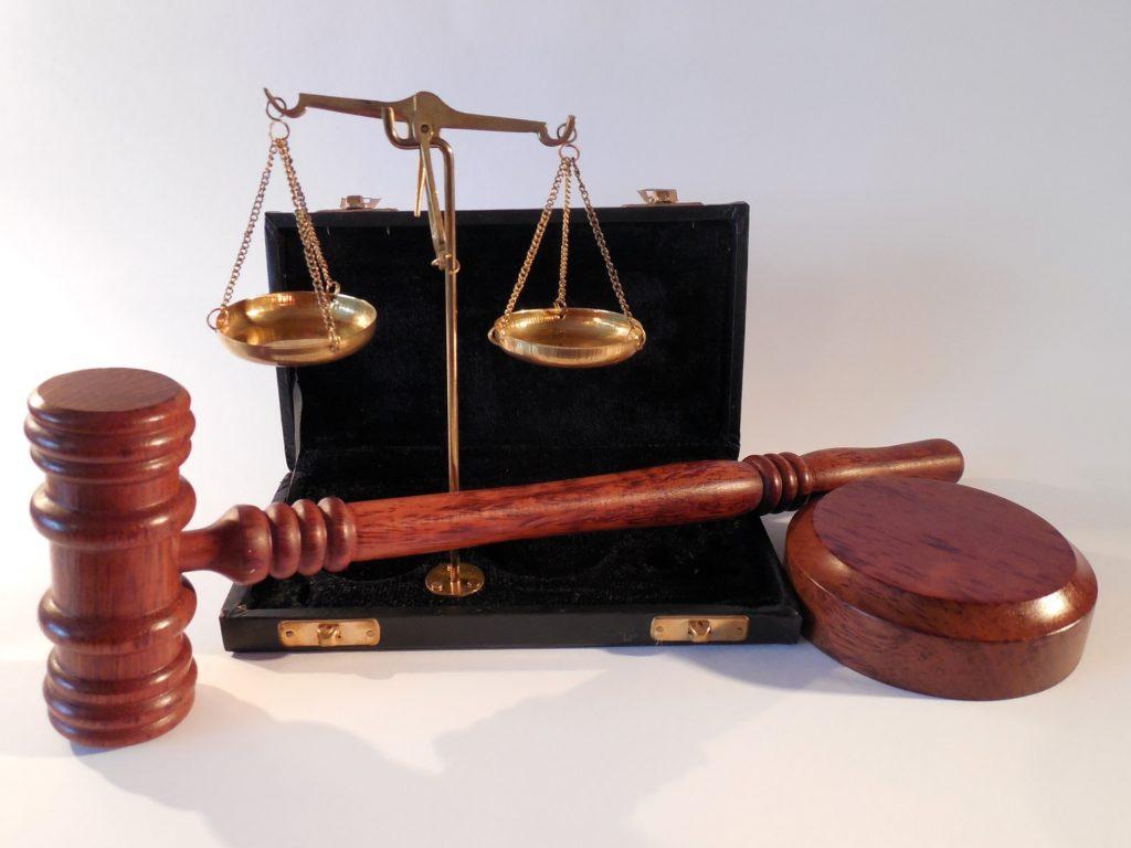 מקצועות עריכת דין